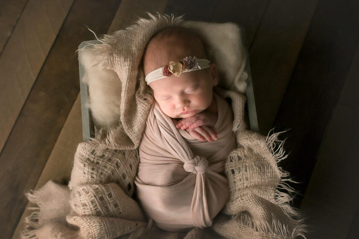 Carrie-Collins-Photography_Newborn_EC--9