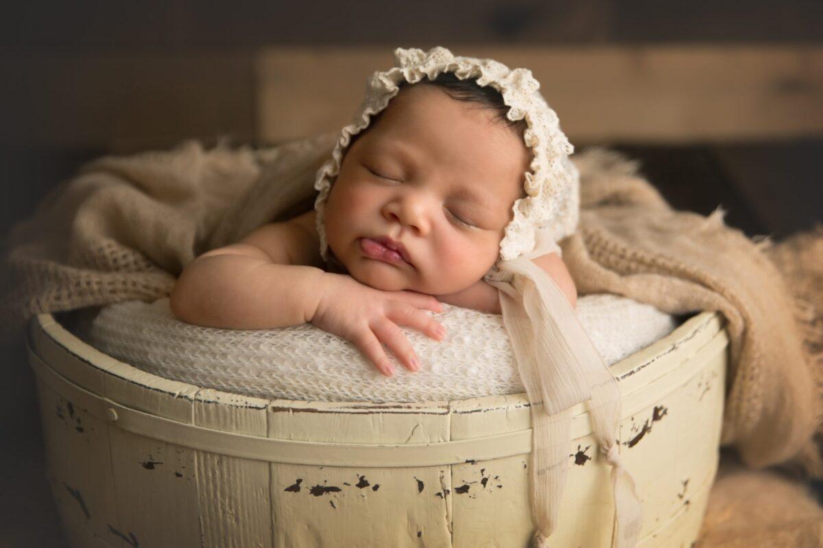Carrie-Collins-Bethesda-Newborn-Photographer-1-8